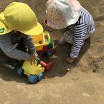 [2歳児] 園庭で遊んだよ!!