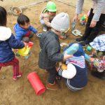 【1歳児】園庭で遊んだよ!