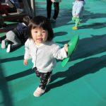 【0歳児 ひよこ組】冬の製作&屋上遊び